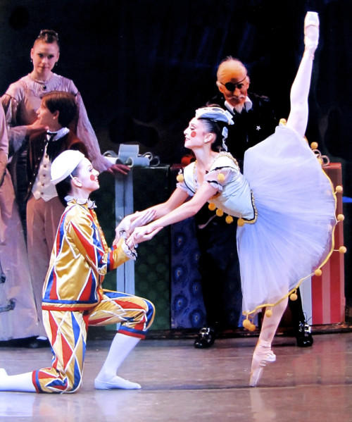 Jenelle Manzi and Likolani Brown of New York City Ballet.