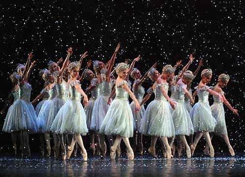 The Royal Ballet in the Nutcracker. Photo by John Ross.