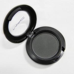 MAC-Soot-Eye-Shadow-Unboxed-c3687d12-167e-4d9d-8b9f-865d85c21d7b_320